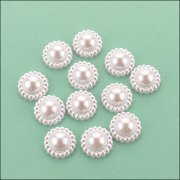 Flat Backed Pearl Medallion - 18mm